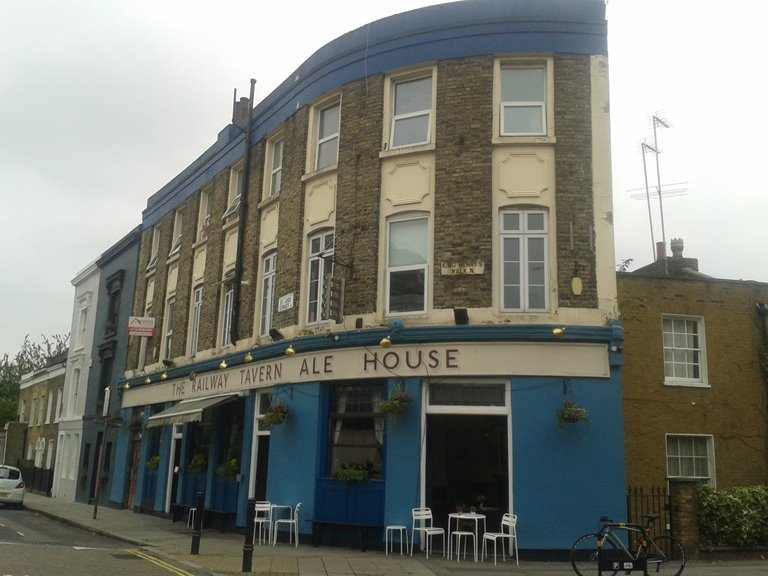 Railway Tavern, terraced pub